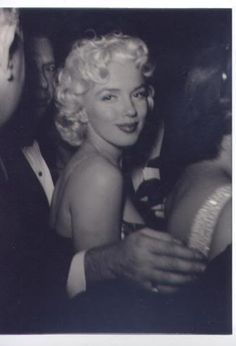 rare, candid shot of Marilyn at the premiere of Cat on a Hot Tin Roof, March 24 1955