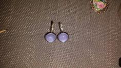 Diy cabochon earrings.