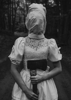 ♡ On Pinterest @ kitkatlovekesha ♡ ♡ Pin: Horror ~ Female Axe Murderer Dressed in White ♡