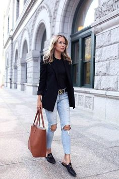 Fall Denim Style: Gucci Loafers and Cuyana Structured Tote. Helena of Brooklyn Blonde Black Women Fashion, Look Fashion, Autumn Fashion, Womens Fashion, Brooklyn Blonde, Athleisure Trend, Casual Chic, Fall Outfits, Casual Outfits