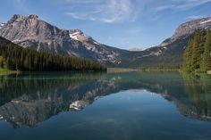 Emerald lake by Héctor Izquierdo Bartolí on 500px