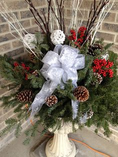 Christmas Porch Pot - close up