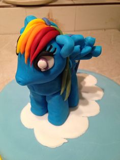 Rainbow dash cake topper