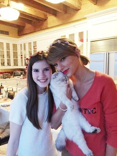 Taylor Swift spends Valentine's Day with 15-year-old fan Sophie - @bae-tay/Tumblr