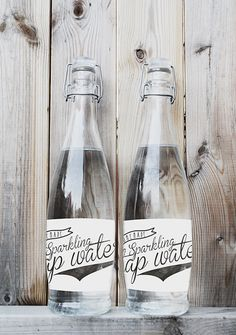Glass water bottle - love the simple yet fun packaging! Water Packaging, Bottle Packaging, Pretty Packaging, Brand Packaging, Packaging Design, Coffee Packaging, Beverage Packaging, Product Packaging, Label Design