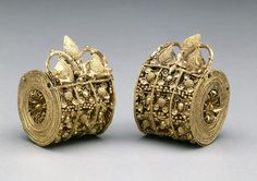 Etruscan: Gold pair of bauletto earings c. 6th CT BC. Courtesy Dallas Museum of Art