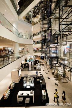 Bangkok is a great city for shopping with its many great shopping centers and markets. Here are the best places to go shopping in Bangkok! Bangkok Travel Guide, Thailand Travel, Shopping Places, Go Shopping, Great Places, Places To Go, Architecture Building Design, Cruise Fashion
