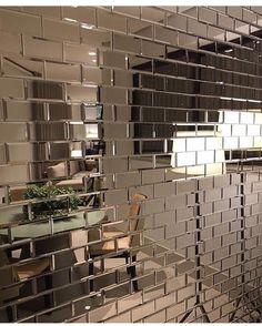 """2,315 curtidas, 102 comentários - Colormix (@colormixrevestimentos) no Instagram: """"[Reflexões] detalhe de projeto de @erikaoqueiroz com tijolo Mirror Bronze  #colormixrevestimentos"""""""