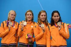 Inge Dekker, Marleen Veldhuis, Femke Heemskerk en Ranomi Kromowidjojo winnen zilver op de estafette