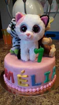 I bought new beanie boos to decorate the cake Adult Birthday Party, 9th Birthday, Girl Birthday, Birthday Cakes, New Beanie Boos, Ty Beanie, How To Make A Beanie, Boo Puppy, Ty Peluche