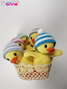 Domain Default page 5 Babies, Baby Ducks, Free Pattern, Dinosaur Stuffed Animal, Baby Shoes, Projects To Try, Crochet Hats, Teddy Bear, Toys