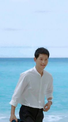 Descendants of the Sun-Kdrama_id-Song Couple Goals, Songsong Couple, Drama Korea, Korean Drama, Descendants, Asian Actors, Korean Actors, Dramas, Song Joon Ki