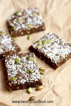 The BEST Easy Healthy Vegan Fudge Squares! Super quick and easy to make they come together in minutes and can be made with ingredients you already have on hand! A perfect healthy snack when you're on the go! Vegan Desserts, Delicious Desserts, Dessert Recipes, Vegan Foods, Vegan Snacks, Snacks To Make, Easy Snacks, Middle Eastern Desserts, Vegan Fudge