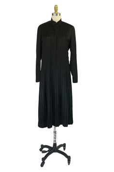 Oh for a label! An amazing 1920s Chanel Attributed Silk Dress