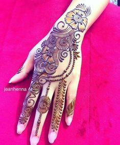 Arabic Mehendi Designs - Check out the latest collection of Arabic Mehendi design ideas and images for this year. Arabic mehndi designs are the most fashionable and much in demand these days. Mehndi Designs Book, Floral Henna Designs, Back Hand Mehndi Designs, Mehndi Designs For Girls, Mehndi Designs For Beginners, Mehndi Designs 2018, Modern Mehndi Designs, Dulhan Mehndi Designs, Mehndi Designs For Fingers