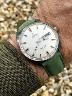 Omega Seamaster Cosmic Day Date green strap men's vintage watch Omega Automatic wristwatch ⌚️ Watches For Men Unique, Vintage Watches For Men, Cool Watches, Men's Watches, Male Watches, Casual Watches, Omega Seamaster Cosmic, Omega Railmaster, Omega Automatic
