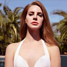 See Lana Del Rey pictures, photo shoots, and listen online to the latest music. Lana Del Rey Pictures, Pretty People, Beautiful People, Beautiful Women, Estilo Indie, Lana Del Ray, My Hairstyle, Wedding Tattoos, Funny Art