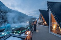 Infinity Pools, Super Spa, Austria Winter, Beste Hotels, Aqua, Best Spa, Spa Offers, Beautiful Places To Visit, Hotel Spa