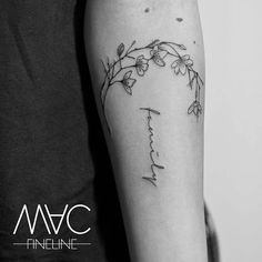Wir haben nur diese eine Familie. #macfineline #macfinelinetattoo #tattoomotiv #family #lettering #typetattoo #filigreetattoo #finelinetattoo #word #familytattoo #flowers #flowertattoo #herdesign #stilbruch #stilbruchtattoo #berlin #berlincity #femaletattooartist #berlintattooartist #filigran #ink #inked #inkstagram #tattooofinstagram #tattoooftheday