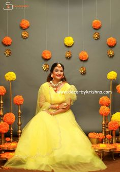 Simple Haldi decor by Kukatpally branch Dhanya for Beautiful model Designer Couture jewellery photography we use only natural materials for the most important events of your life Totally eco-friendly backdrops using all traditional and natural materials Diwali Decorations At Home, Wedding Hall Decorations, Wedding Entrance, Backdrop Decorations, Garland Wedding, Simple Stage Decorations, Arch Decoration, Diy Backdrop, Wedding Props
