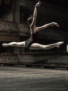 Mikhailovsky Theatre Grand Prix 2012 Rehearsal - Photo by Nikolay Krusser Facebook https://www.facebook.com/nikolaikrusser