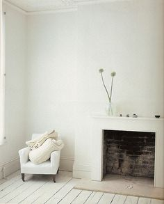 Dove Gray Home Decor ? rustic white home interior ideas I. Home Interior Design, Interior And Exterior, Interior Ideas, Modern Interior, Room Photo, Living Room Designs, Living Spaces, Rustic White, White White