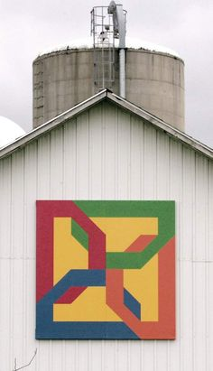 Rock County barn quilts project still growing Barn Quilt Designs, Barn Quilt Patterns, Quilting Designs, Cross Stitch Patterns, Painted Barn Quilts, Barn Boards, Barn Signs, Stained Glass Quilt, Farm Quilt