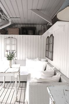 I so love white on white.. So crisp and clean..