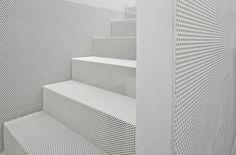 lochblech weiß runde lochung treppenhaus