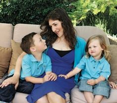 mayim and her two kids