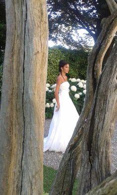 Semplicità e romanticismo per la mia sposa di oggi Alessandro Tosetti Www.alessandrotosetti.com www.tosettisposa.it #abitidasposa2015 #wedding #weddingdress #tosetti #tosettisposa #nozze #bride #alessandrotosetti #agenzia1870