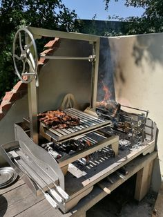 Asado Saltero Parilla Grill on Small Tabletop Fire Table with Brasero UK Barbecue Design, Grill Design, Patio Design, Parilla Grill, Asado Grill, Diy Grill, Built In Grill, Outdoor Kitchen Design, Outdoor Kitchens