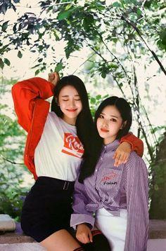 Loona :: Yves and Olivia hye