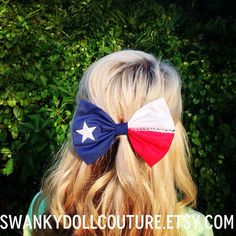 Texas and bows? My two favorite things wrapped into one.