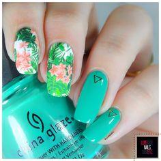 Tropical Nature nail art by Love Nails Etc - Nailpolis: Museum of Nail Art Wow Nails, Cute Nails, Pretty Nails, Nail Art Naturel, Tropical Nail Art, Latest Nail Art, Nail Polish Art, Glitter Nail Art, Nail Decals