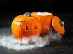 Dry Ice Tips for Halloween Use Dry Ice Halloween, Halloween Magic, Halloween Trees, Halloween Party, Halloween 2020, Pumpkin Carving Tips, Pumpkin Painting, Halloween Ghost Decorations, Fall Decorations