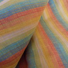 Coupon  de tissu multicolore couleurs pastel