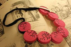 Com Eco Friendly Jewelry Domino Jewelry, Polymer Clay, Eco Friendly, Facebook, Twitter, Handmade, Visual Effects, Bold Colors, New Trends