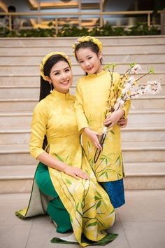 Mother Daughter Dresses Matching, Mother Daughter Fashion, Mom Daughter, Vietnamese Clothing, Vietnamese Dress, Traditional Fashion, Traditional Dresses, Mom Dress, Baby Dress