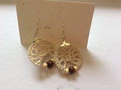 Boucles d'oreilles crochetés arbres de vie ornées de perles en bois 9.50€