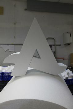 Logo uit budgetfoam standaard piepschuim eps 200