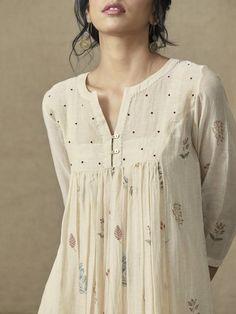 Custom made Designer Dresses Denim Maxi Dress, Crop Dress, Sleeveless Blouse, Kurta Designs Women, Blouse Designs, Salwar Designs, Pakistani Dresses, Indian Dresses, Pakistani Bridal