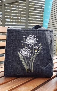 Beautiful bag with  Dandelions free embroidery design. Great work. Author: Marita Tjulander #Dandelions #free #embroiderydesign #stitches #flowerdecoration