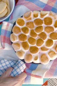 S'mores Dip on the Braai. Fluffy marshmallows melted together with a silky smooth chocolate and caramel base. Serve with your favourite biscuit selection and you have a fuss-free, fail-proof and SUPER tasty dessert for your next braai. Delicious Desserts, Dessert Recipes, Best Food Ever, Marshmallows, Cravings, Foodies, Biscuits, Travelling, Dips