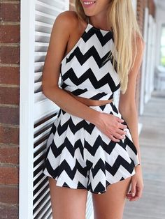 Black Wave Print Crop Top And High Waist Shorts Two-piece Suit