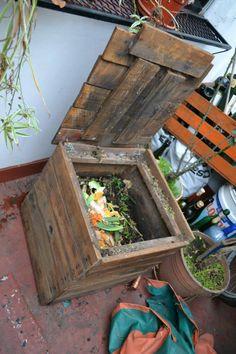 Terrarium, Gardening, Outdoor Decor, Ideas, Home Decor, Granite, Vases, Build A Greenhouse, Antique Beds