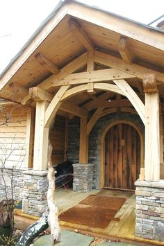 House Home Garden Timber Frame Porch - Heavy Timbered Porch - Homestead Timber Frames - Crossville T Porche Chalet, Timber Frame Homes, Timber Frames, Porch Roof, Front Porches, Wood Patio, Log Homes, Barn Homes, House In The Woods