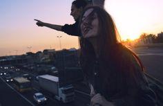 """Ninguém vai sofrer por você, ninguém vai chorar suas lágrimas, ninguém vai sentir por você, mas acima de tudo, ninguém vai levantar a cabeça no seu lugar, ou seguir em frente por você. Então recomponha a alma, bota um sorriso no rosto que como diz aquela famosa música """"amanhã será outro dia e sol vai nascer de novo"""", você queira ou não. Michelly Kinai.:."""