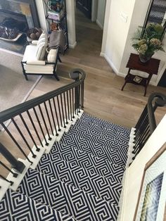 Should I carpet my stairs with the same carpet I use upstairs? Patterned stair carpet in center of open plan home with wood bottom step - Designer Carla Aston Best Carpet, Diy Carpet, Modern Carpet, Rugs On Carpet, Wall Carpet, Plush Carpet, Shag Carpet, Bedroom Carpet, Living Room Carpet