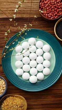 What a beautiful picture for Chinese sticky rice balls! shared via TW by Travel China Pics ( Chinese New Year Pictures, Chinese New Year Wishes, Chinese New Year Design, Chinese New Year Greeting, Chinese Sticky Rice, China Pics, Real Chinese Food, Rice Balls, China Travel